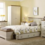 Sopha Elderflower bedroom range