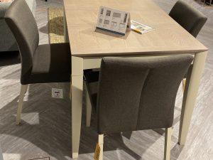 Nutmeg table & chair set