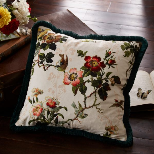 Oasis Leighton ivory cushion