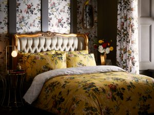 Oasis Leighton Ochre Floral Duvet and Pillowcase Set