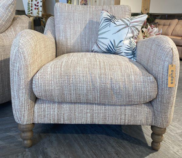 Biscotti chair in Fabric Grade C Ashcroft Blush