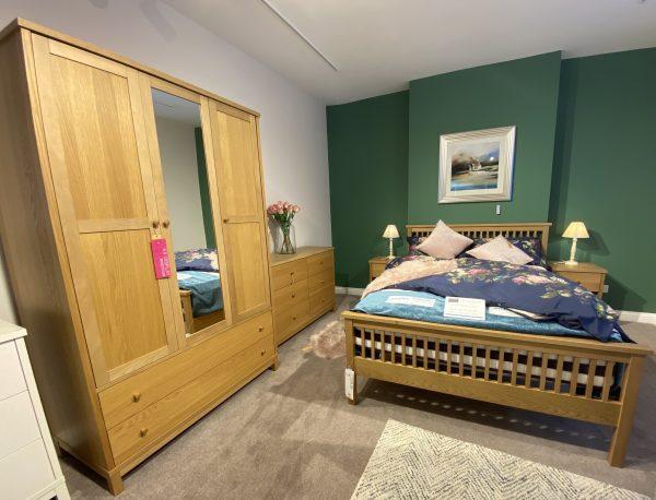 thyme oak bedroom set