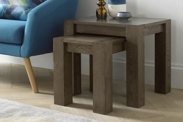 Sopha Avocado dark oak nest of tables display