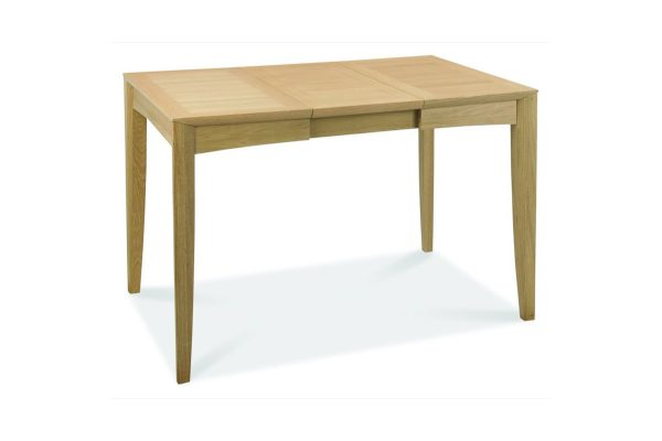 Sopha Nutmeg oak 2 to 4 dining table extended