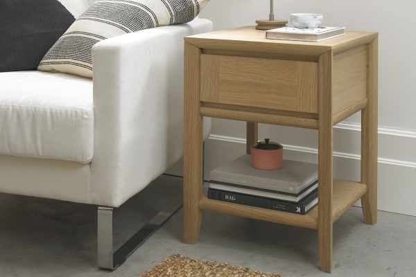Sopha nutmeg oak lamp table display