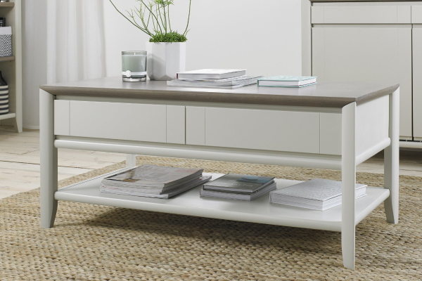 Sopha Nutmeg two tone coffee table display