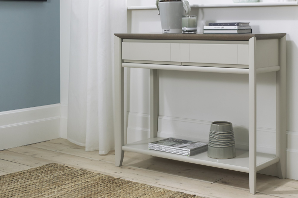 Sopha Nutmeg two tone console table display