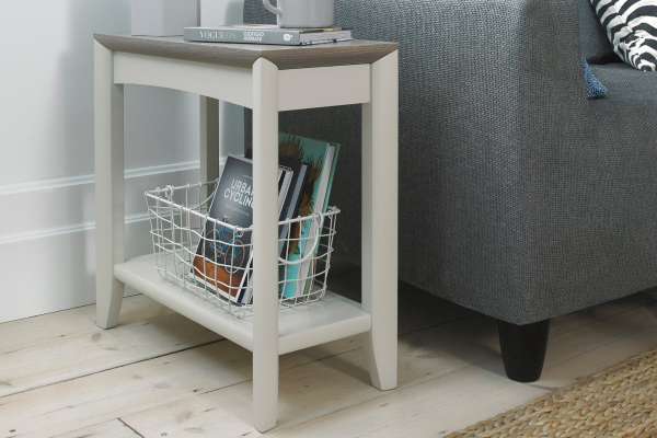 Sopha Nutmeg two tone side table display