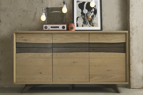 Sopha Pepper aged oak wide sideboard display